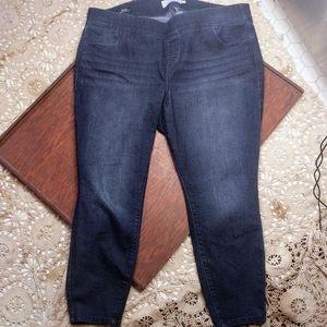 Torrid Lean Jean Super Stretch Skinny Dark Wash 3S